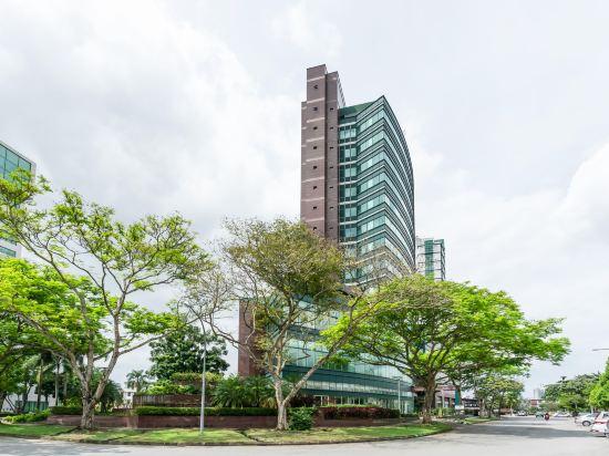Hock Lee Hotel Residences Kuching Price Address Reviews