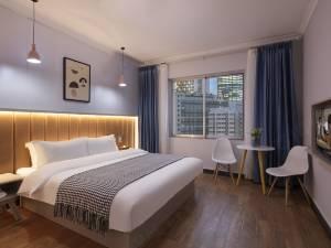 重庆人和夜泊酒店图片