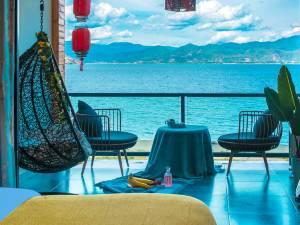 泸沽湖望湖庭院酒店图片