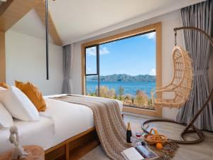 泸沽湖桃之夭夭湖景星空度假酒店图片