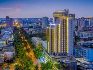 丽橙酒店·逸(西安钟鼓楼小寨大唐不夜城店)图片