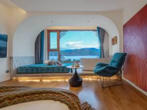 泸沽湖云朵曼路全湖景度假酒店图片