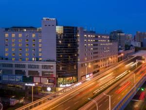 丽橙酒店·智(武汉光谷杨家湾地铁站店)图片