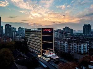 杭州西湖希尔顿欢朋酒店图片