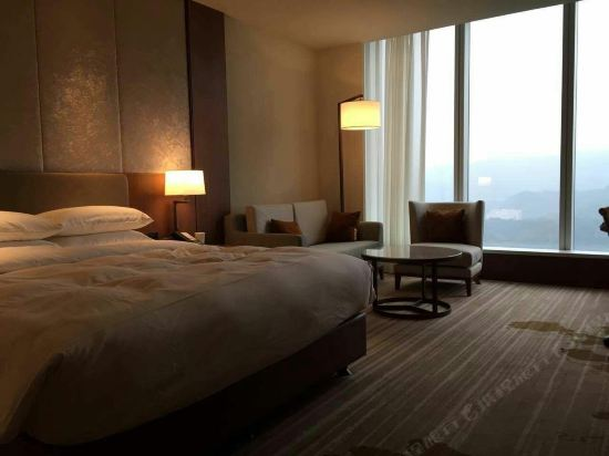 台北六福萬怡酒店