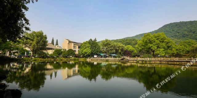 苏堤春晓,花港观鱼,杨公堤,动物园,儿童公园等景点, 杭州玉皇山庄距离
