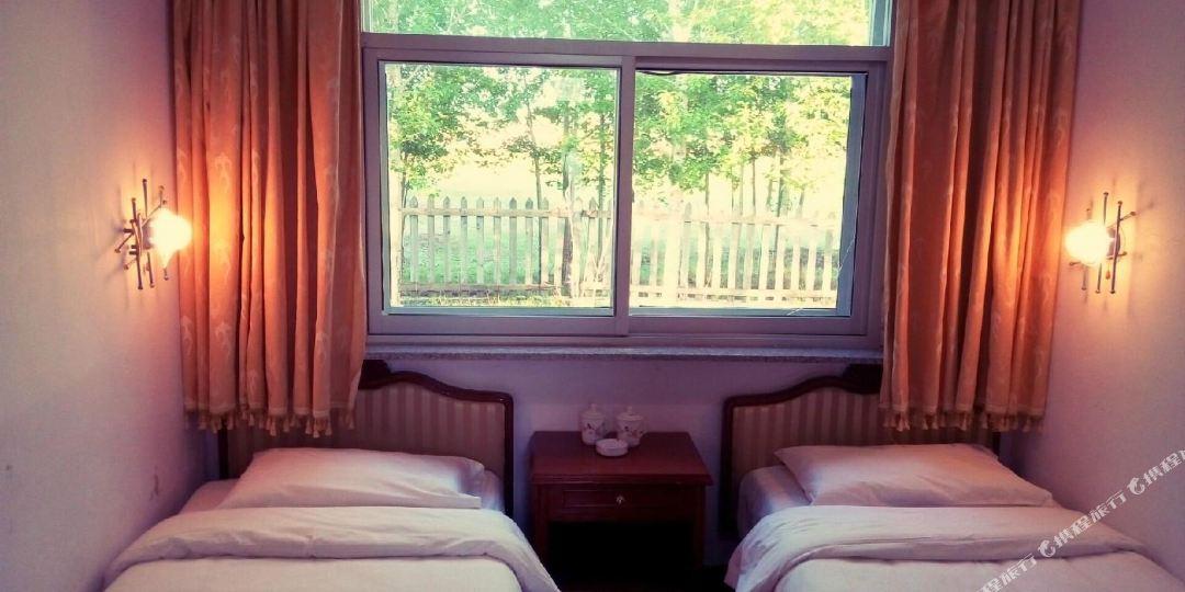 丰宁满族自治县 >> 酒店   标签: 宾馆度假村休闲娱乐 银湖庄园共多少
