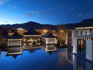 拉萨瑞吉度假酒店图片