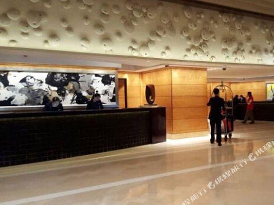 Four Seasons Hotel Hong Kong Hotel Reviews Room Rates And Booking Ctrip