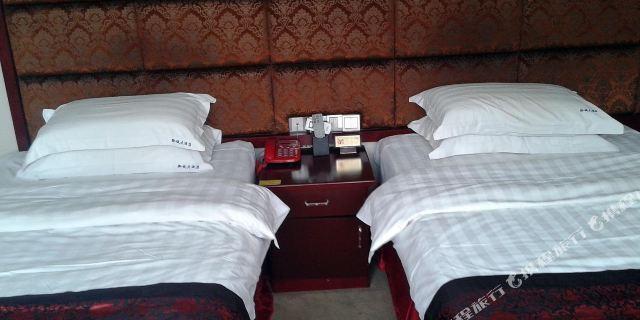 修文黔诚大酒店1-3晚 贵州森林野生动物园门票2张 贵州森林野生动物园