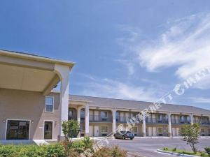 Homegate Inn & Suites West Memphis