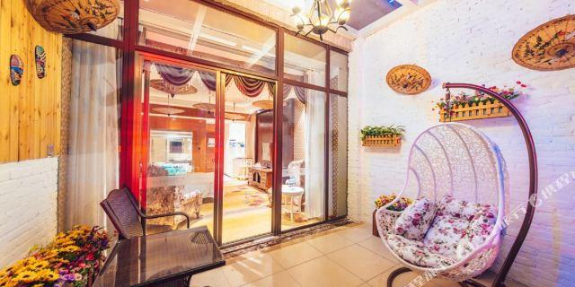 欧式,美式等二十余种风格, 更有花园式主题房,是汉中一家集商务及文化