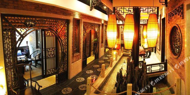 库塔金叶大酒店1晚,紧邻美食街,v门票便捷,可加购乐山大佛门票巴厘岛海滩美食乐山的图片