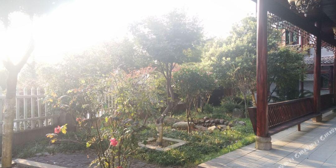 鹰潭贵溪市龙虎山风景区上清古镇桂洲村1号