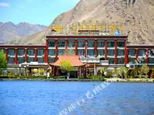 Shigatse Jiumuyamei International Hotel