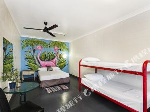 Adventurers Backpackers Resort Townsville