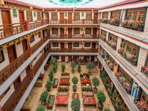 拉萨扎西曲塔风情酒店图片