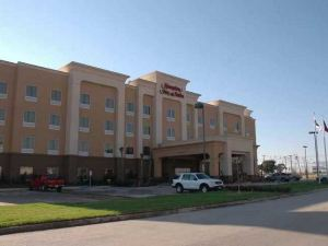 Hampton Inn & Suites Waco-South