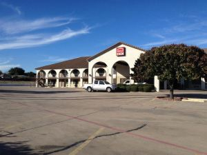 Weatherford Inn and Suites