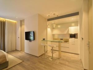 이스틴 레지던스 (Eastin Residence Apartment Hotel)