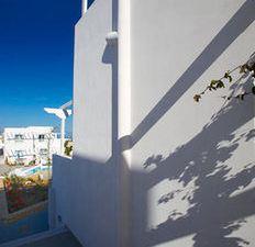 페리기알리 호텔 스튜디오 앤 아파트먼트 (Perigiali Hotel Studios & Apartments)