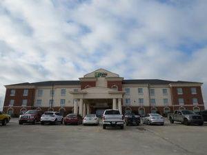 홀리데이 인 익스프레스 앤드 스위트 팜파(Holiday Inn Express Hotel & Suites Pampa)