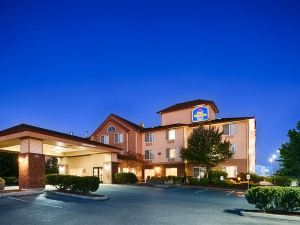Best Western Plus Park Place Inn & Suites