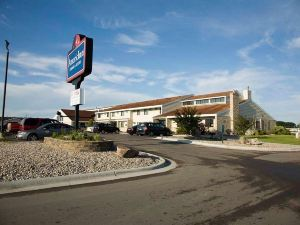 AmericInn Lodge and Suites Roseau