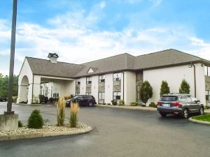 Schoenbrunn Inn & Conf Center, and Ascend Hotel Collection Member New Philadelphia