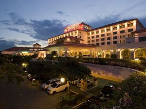 WATERFRONT AIRPORT HOTEL AND CASINO - MACTAN Cebu