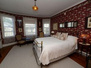 The Munroe Inn Bed and Breakfast