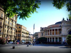 폴리테아마 팰리스 호텔(Politeama Palace Hotel)