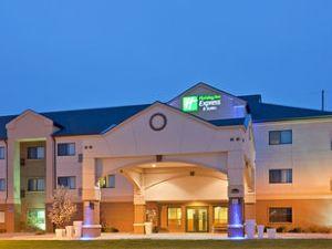 홀리데이 인 익스프레스 앤드 스위트 사우스 - 링컨(Holiday Inn Express Hotel & Suites Lincoln South)