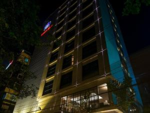 Best Western Plus Maple Leaf Hotel