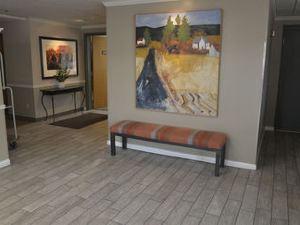 힐탑 인 바이 리버시지(Hilltop Inn by Riversage)