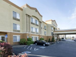 컴포트 인 앤 스위트 (Comfort Inn & Suites Sacramento – University Area)
