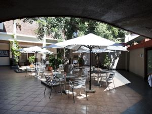 Protea Hotel by Marriott Windhoek Thuringerhof