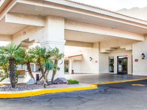 퀄리티 인 앤 스위트 레이크 하바수 시티 (Quality Inn and Suites Lake Havasu City)