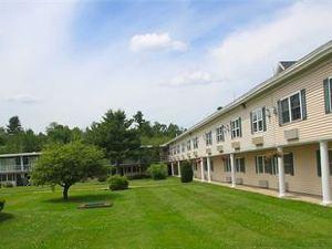 파이어사이드 인 & 스위트(Fireside Inn & Suites Auburn)