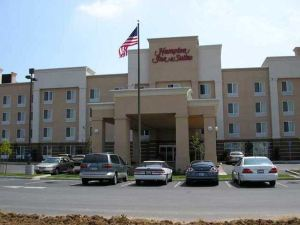 Hampton Inn and Suites Fresno