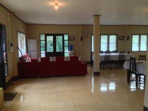 파티 빌라 방비엥 (Phatty Villa Vangvieng)