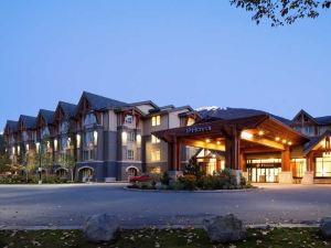 Aava Whistler Hotel