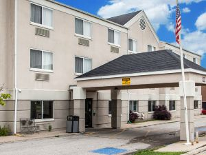 퀄리티 인 앤 스위트 (Quality Inn & Suites Mason City)