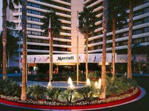 어바인 매리어트 (Irvine Marriott)