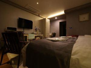 Mark Tourist Hotel