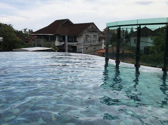 巴厘岛雷吉安太阳岛水疗酒店