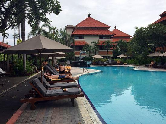 巴厘岛白玫瑰别墅水疗酒店
