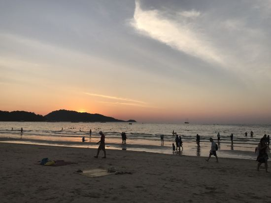 普吉岛芭东阿拉亚海滩酒店(araya beach hotel patong
