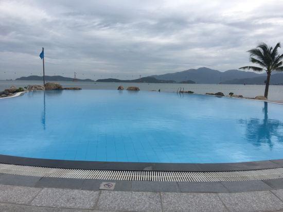 芽庄湾珍珠岛高级度假酒店(vinpearl nha trang bay resort & villas)