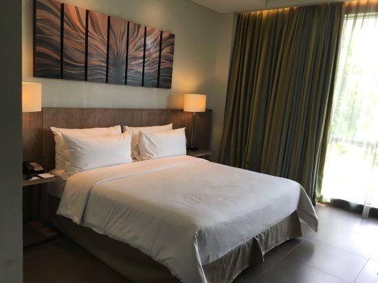 巴厘岛伍拉·赖国际机场希尔顿花园酒店